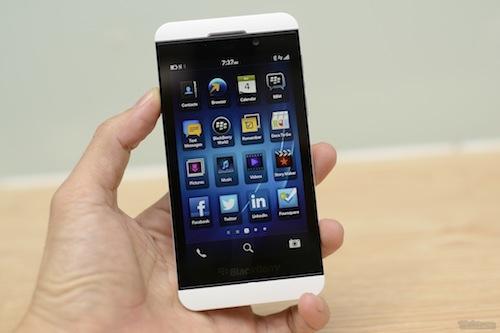 Hiện tại điện thoại blackberry z10 có mấy loại