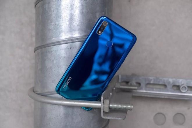 Realme 3 ra mắt với giá chỉ 150 USD