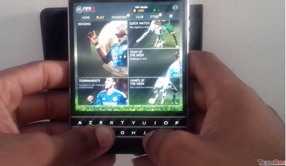 Chơi game trên điện thoại BlackBerry Passport