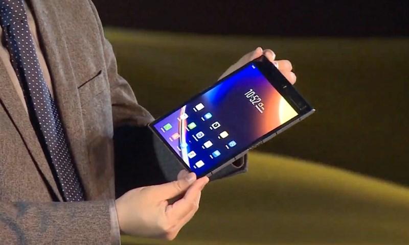 Galaxy Fold 2 chưa ra mắt nhưng đã gặp ngay đối thủ này rồi, Royole FlexPai 2 vừa trình làng với chip Snapdragon 865, màn hình gập 7.8 inch thế hệ mới