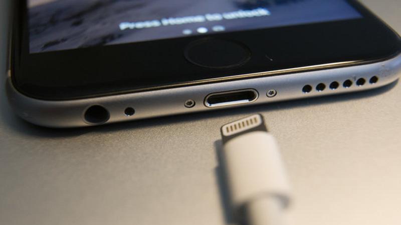Hướng dẫn bạn sửa lỗi iPhone sạc pin không vào được một cách thần kỳ